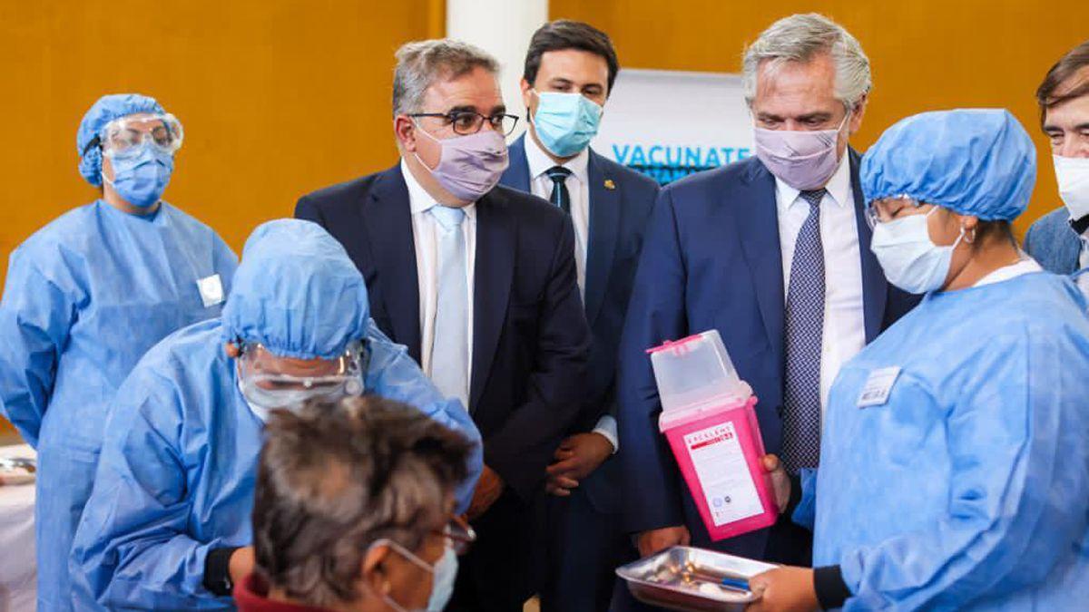 El presidente Alberto Fernández junto al gobernador de Catamarca
