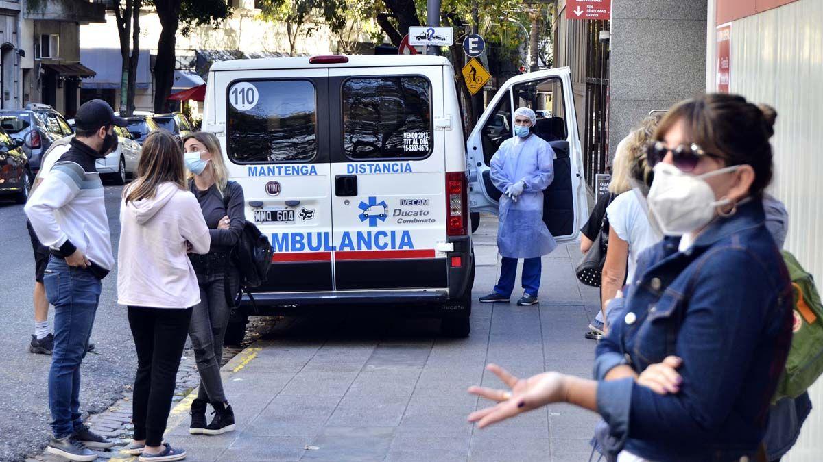 Es crítica la situación sanitaria en el país por la cantidad de casos de Covid.