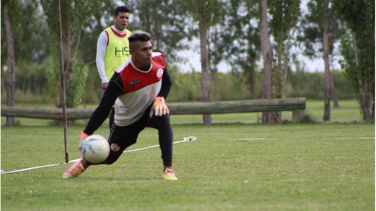 El tucumano Daniel Moyano disfruta jugar en Huracán Las Heras.