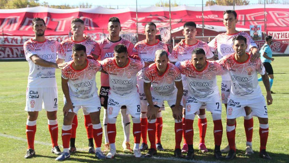 Los once de Huracán Las Heras que debutaron ante Villa Mitre.