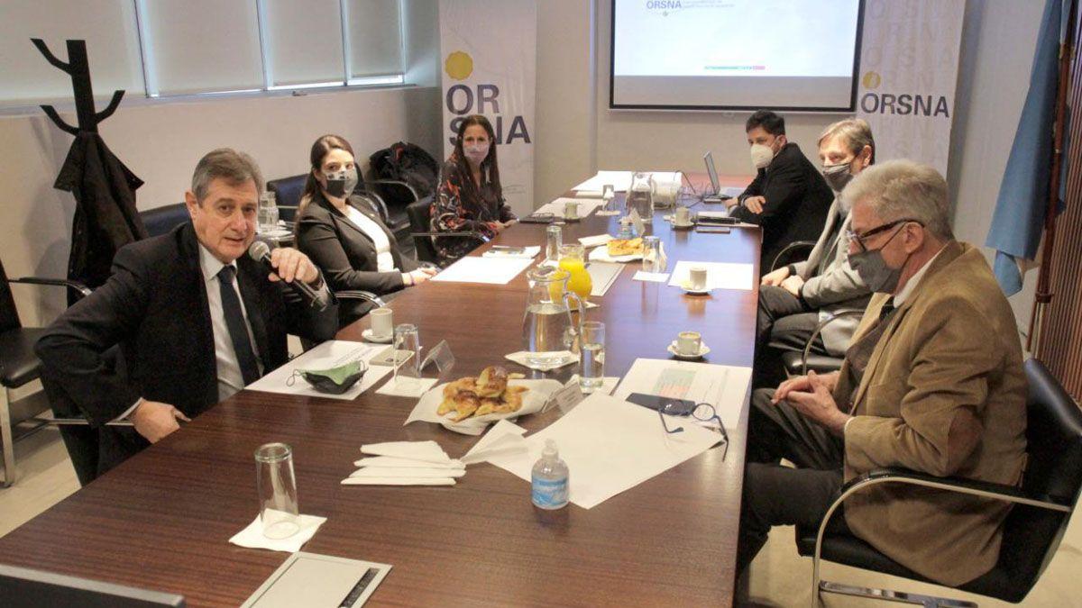 La reunión en la que se dio a conocer el plan de remodelación del aeropuerto de San Rafael.