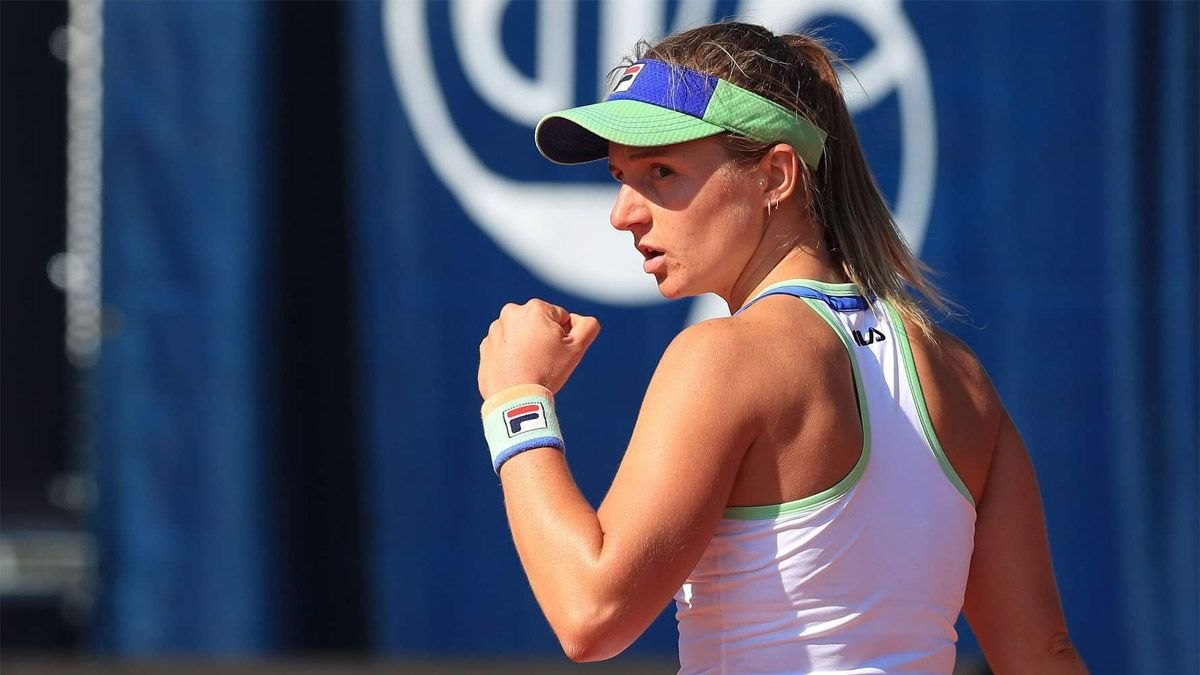 Podoroska luchó y avanzó a semifinales en Praga