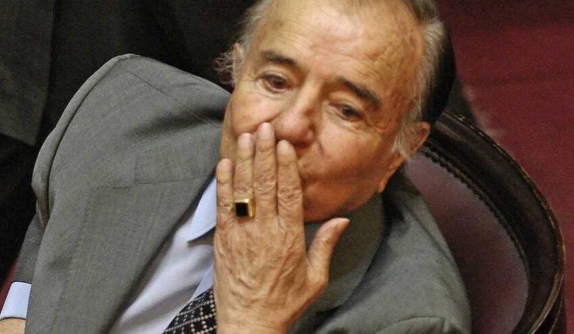 Zulemita quiere recuperarlo. La familia del fallecido ex presidente Carlos Menem ofrece una recompensa para quien devuelva el anillo robado al riojano.