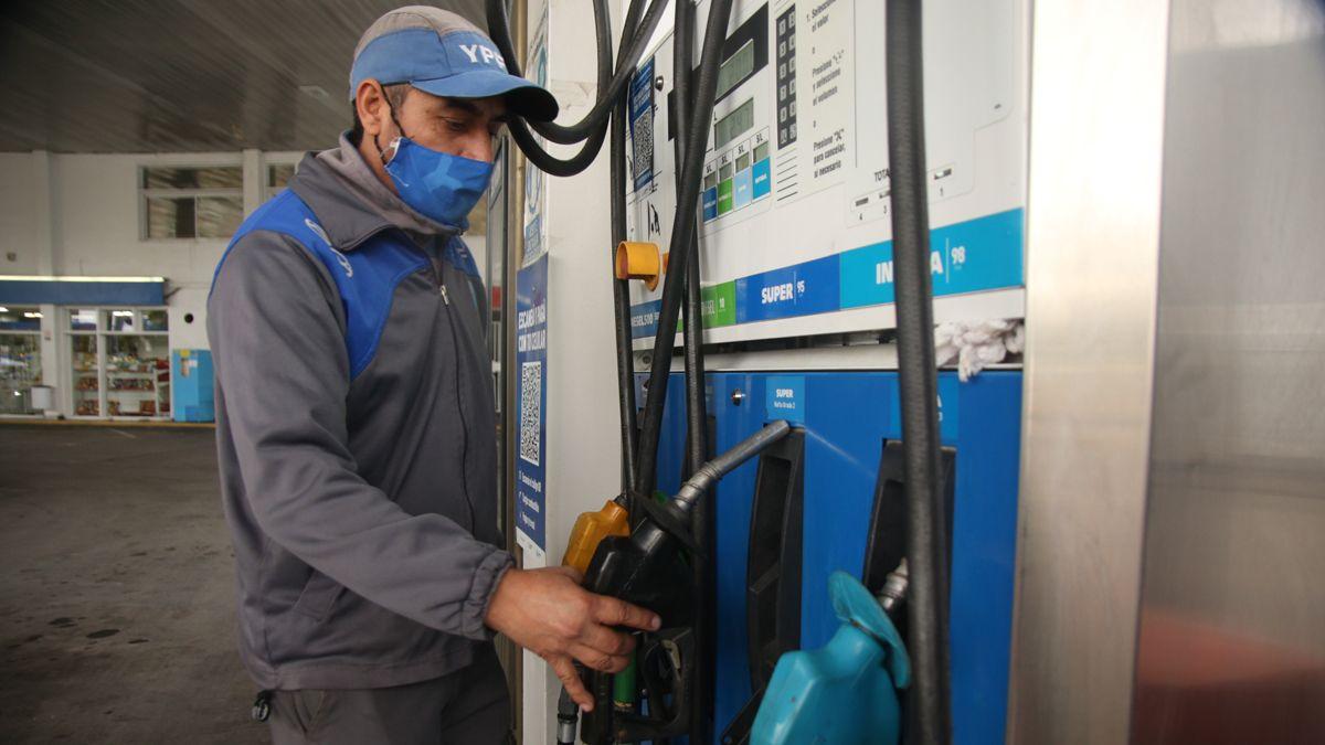 Desde cuándo aumentan los precios de la nafta
