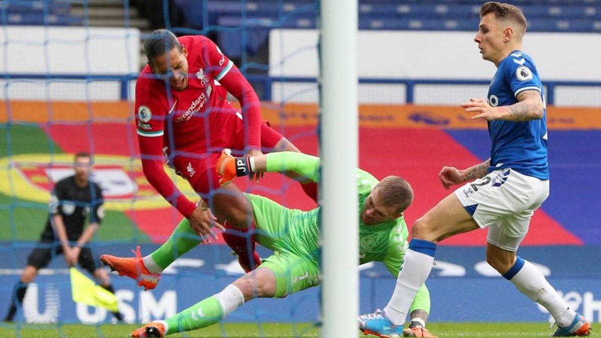 El peor castigo para el árbitro por la lesión de Van Dijk