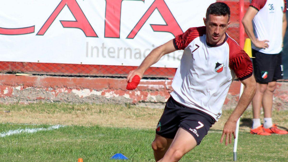El volante Neri Espinosa. Foto: gentileza Prensa Deportivo Maipú.