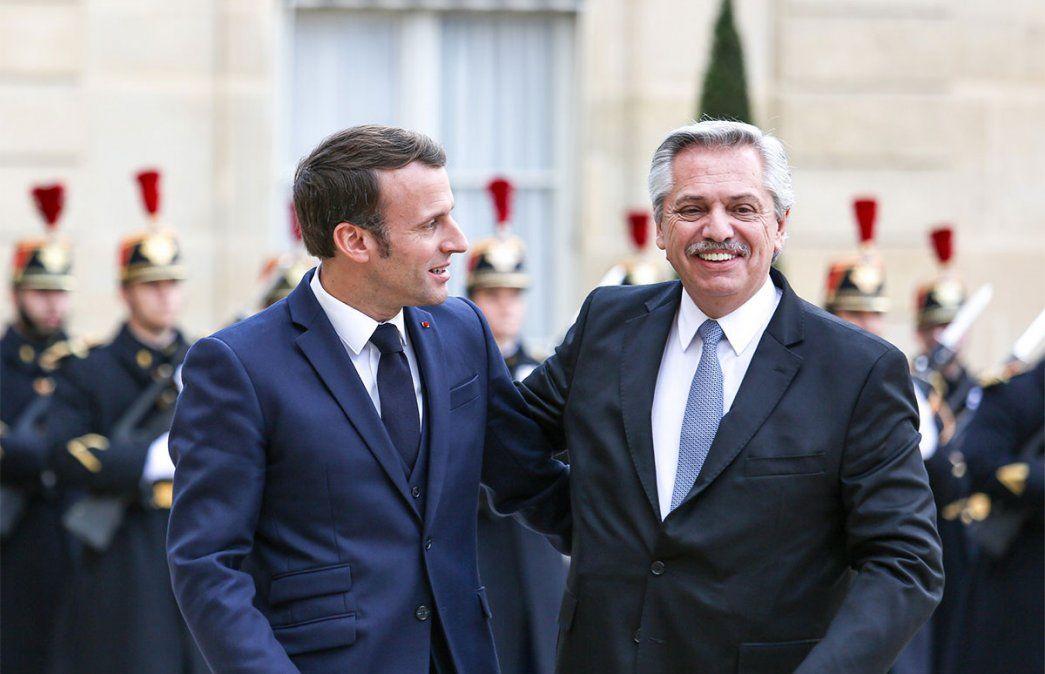 El contacto entre Alberto Fernández y Macron será mediante una videoconferencia a las 13.30. Analizarán la pandemia y otros temas.