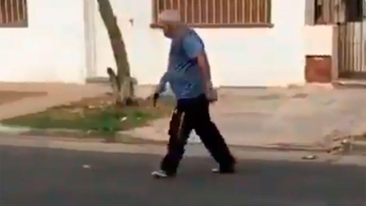 Intentaron linchar al hombre que mató a un perro callejero