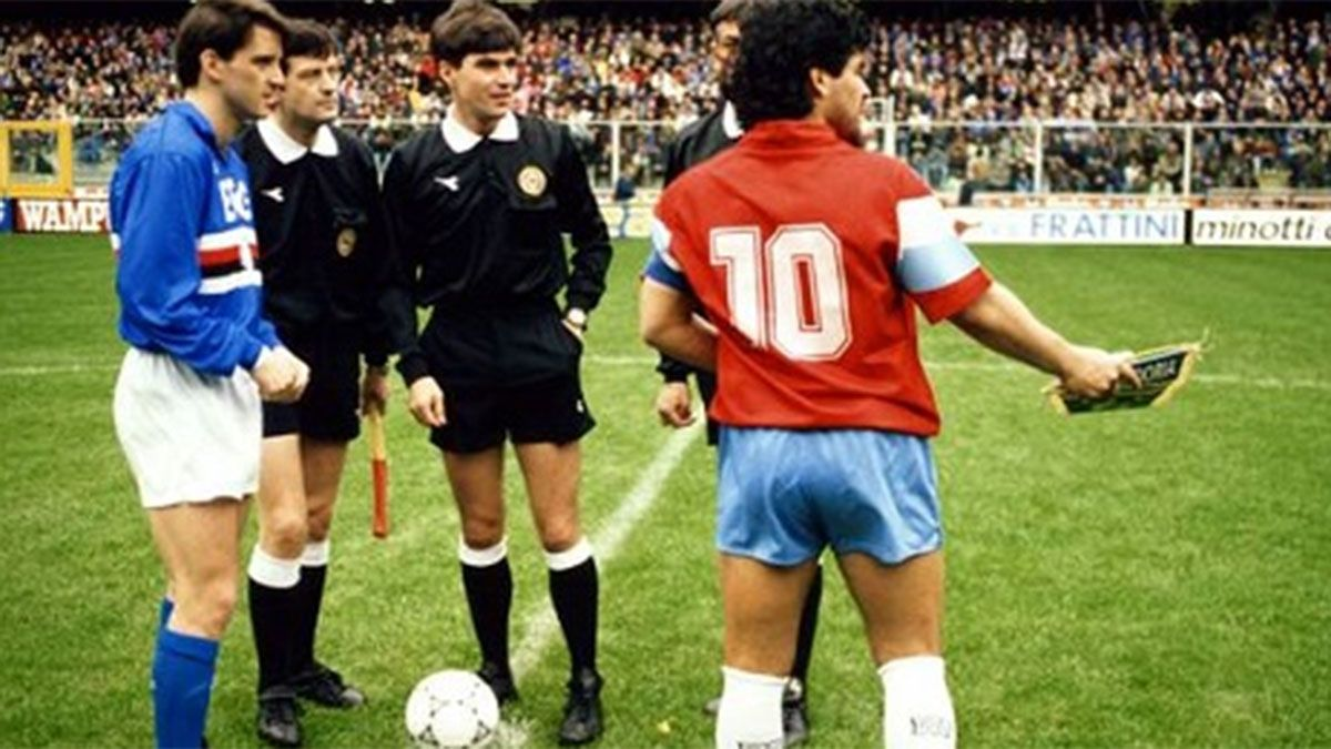 Tiene la última camiseta napolitana de Maradona: La conservo con orgullo y pasión