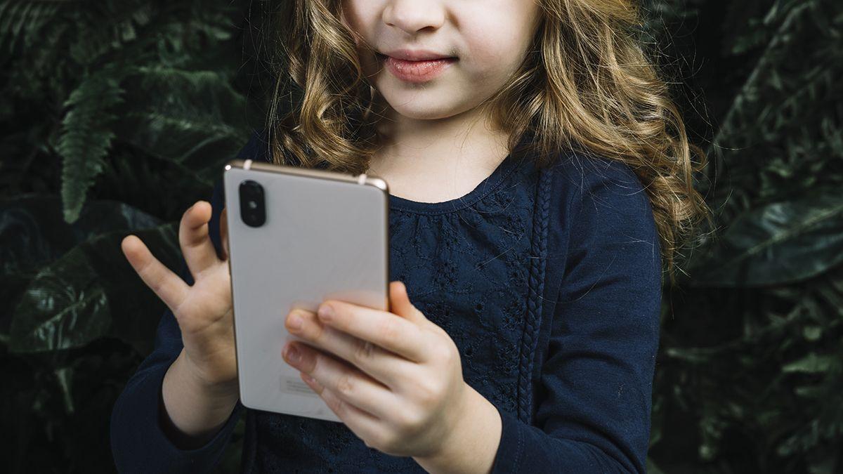 Los niños durante la pandemia utilizan más internet.