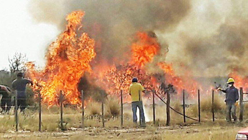 Murió carbonizado al tratar de apagar un incendio intencional