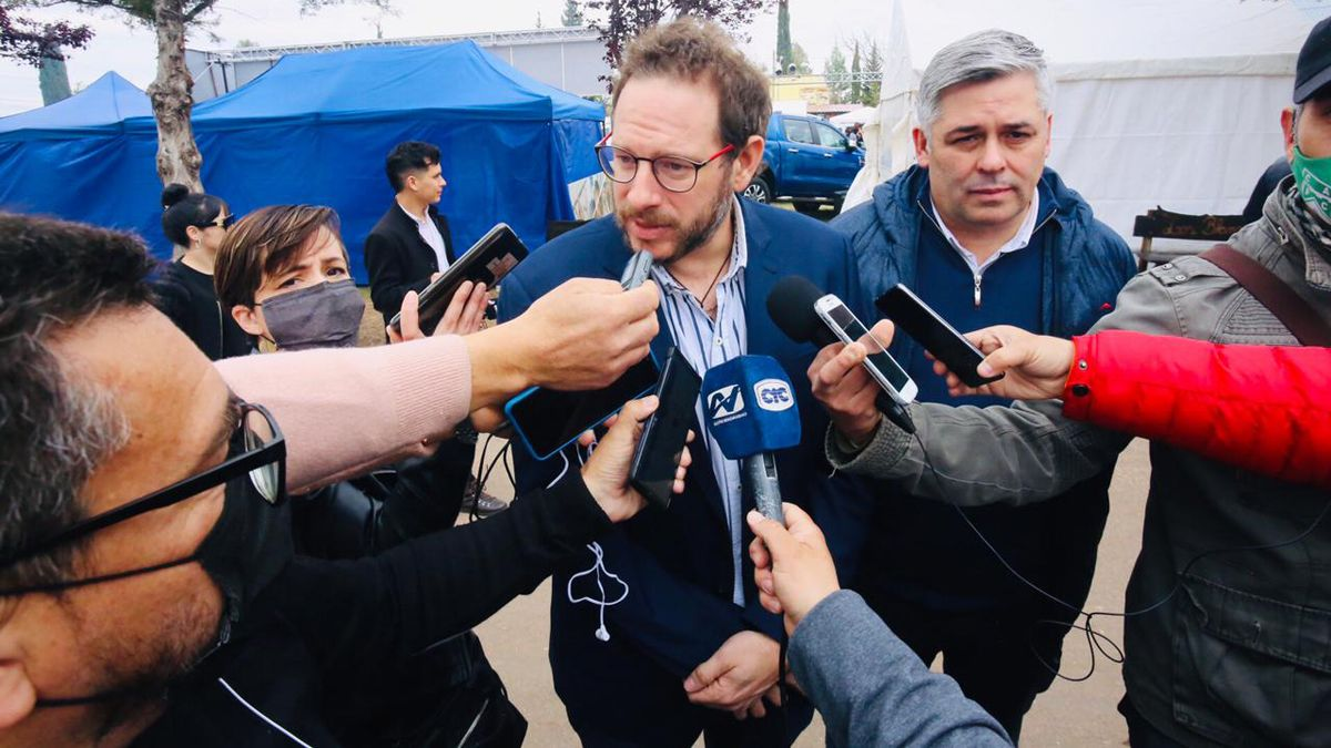 Los jefes de bloque del justicialismo: el senador Lucas Ilardo y el diputado Germán Gómez.