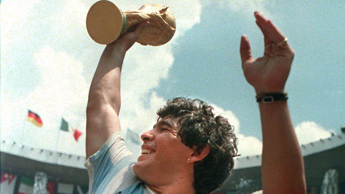 Maradona cumple 60 años.