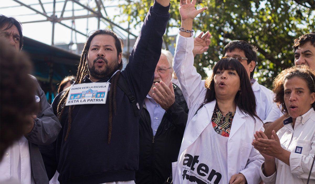 """Sebastián Romero integra la lista del Partido Socialista. Se hizo conocido popularmente como el """"gordo mortero"""" por su participación en los incidentes de 2017"""