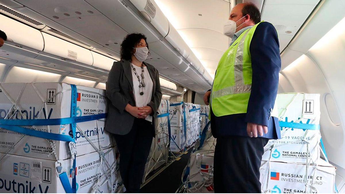 Carla Vizzotti afirmó el domingo que las fuentes de contagio de coronavirus no son en los lugares de trabajo o actividades con protocolos.