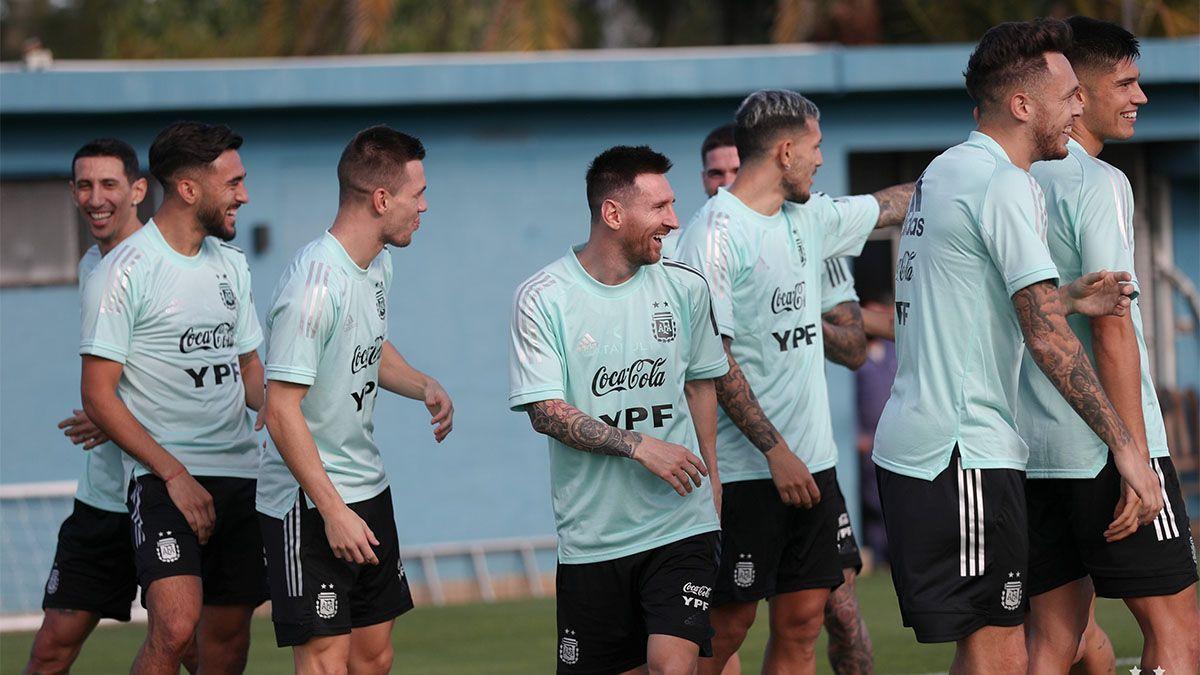 Argentina vs. Paraguay: hora, TV y formaciones