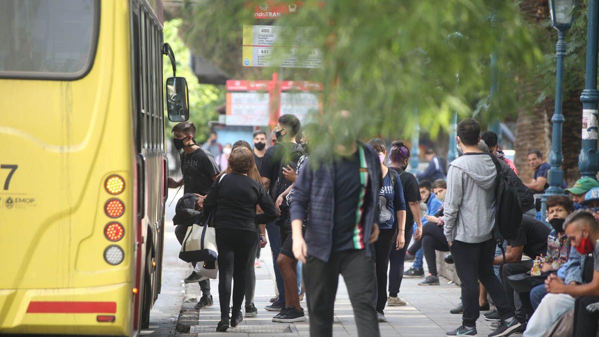 Durante lo que resta del año, el pasaje del transporte en Mendoza se mantendrá al mismo precio que el actual