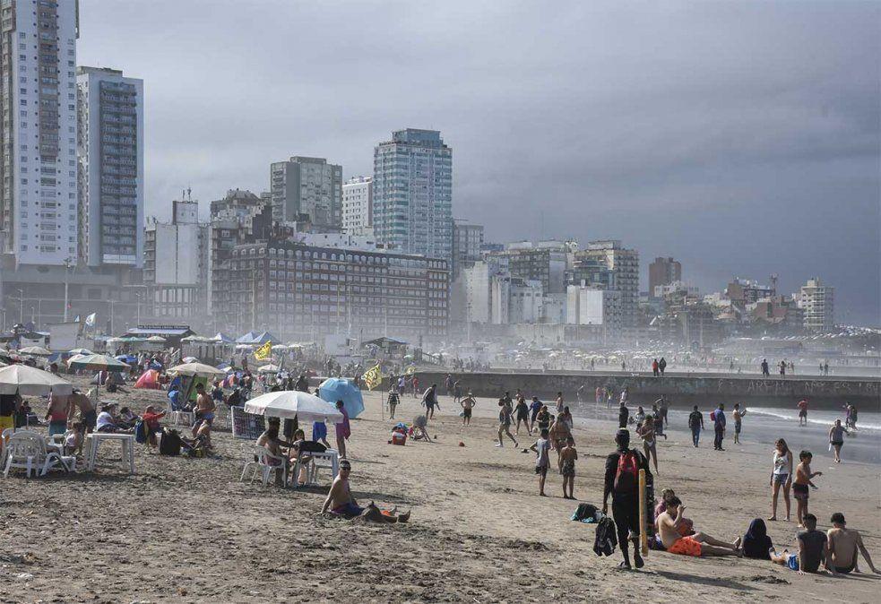 Mar del Plata fue casi una postal de normalidad en esta pandemia durante el verano. Se llenó de turistas.