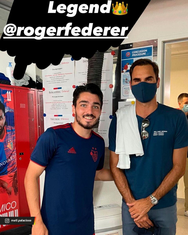 Roger Federer estuvo viendo al Basel y se sacó una foto con Matías Palacios.