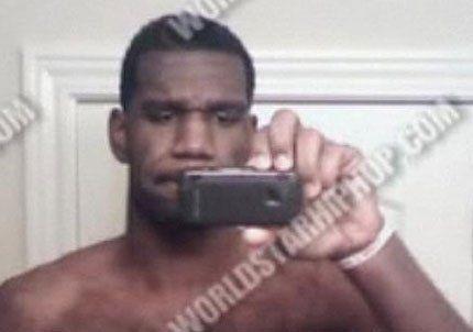 Un jugador de la NBA se disculpó por posar desnudo en varias fotografías