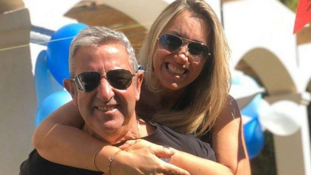 El senador Julio Cobos junto a su actual pareja
