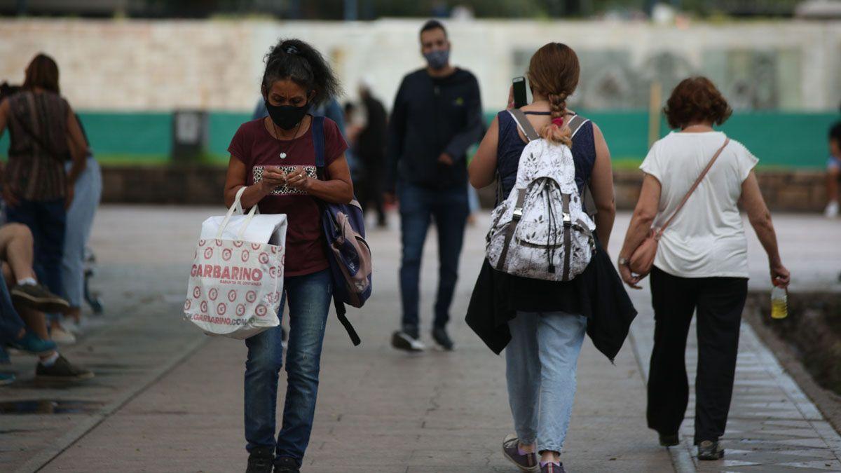 Los casos diarios de coronavirus en Mendoza comenzaron a crecer de manera más marcada en marzo.