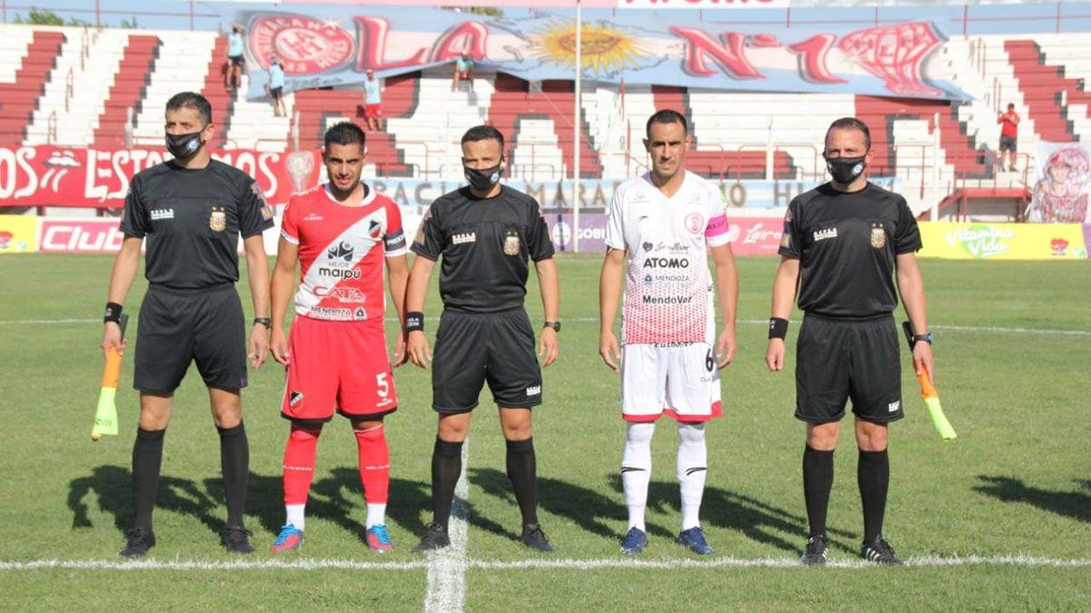 Adolfo Tallura en el partido ante Deportivo Maipú.