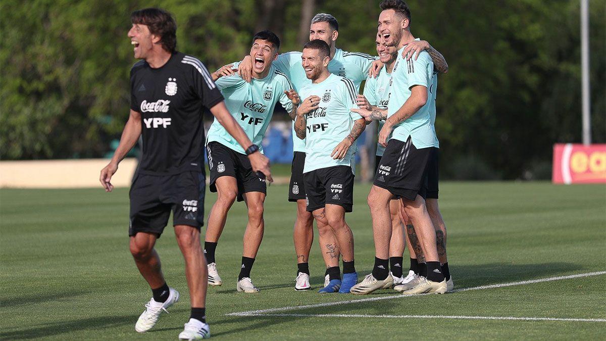 La Selección Argentina se divierte en el entrenamiento.