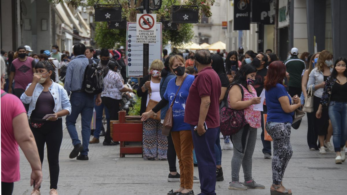 Argentina: 318 personas murieron y hay 9.524 nuevos casos