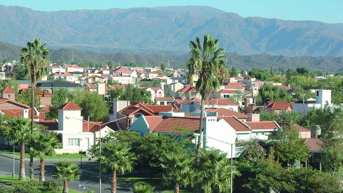 Los ladrones aprovecharon la ausencia de los moradores de una casa en Palmares para concretar el millonario robo.