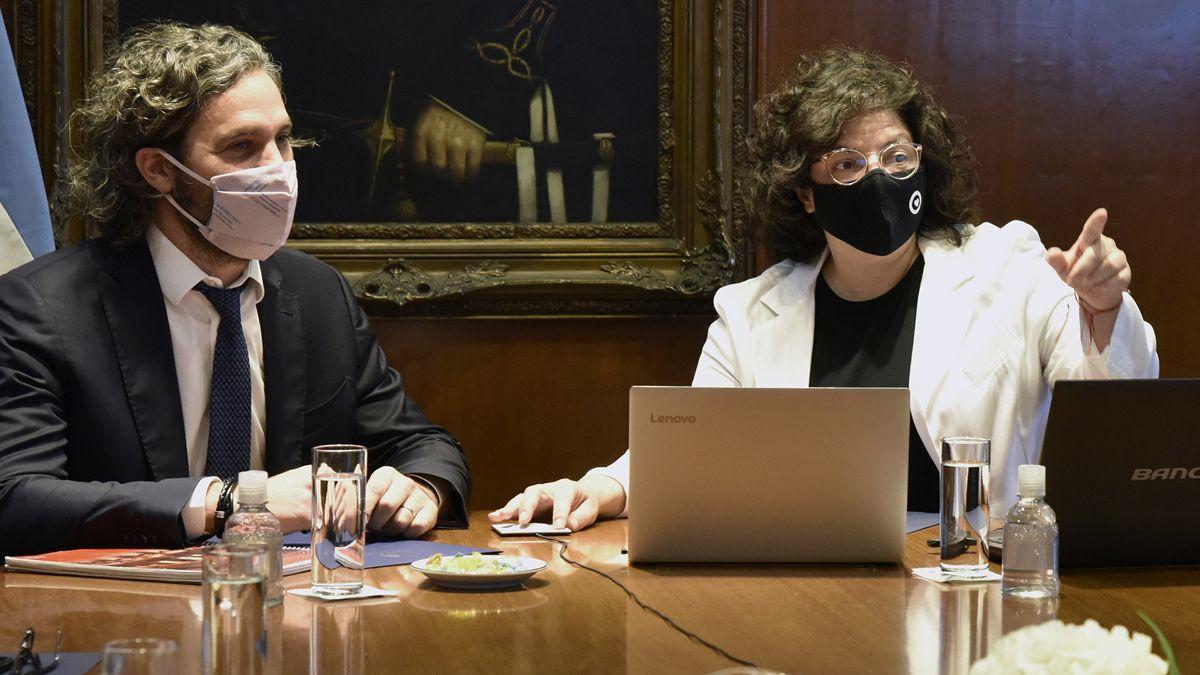 Santiago Cafiero junto a la ministra de Salud