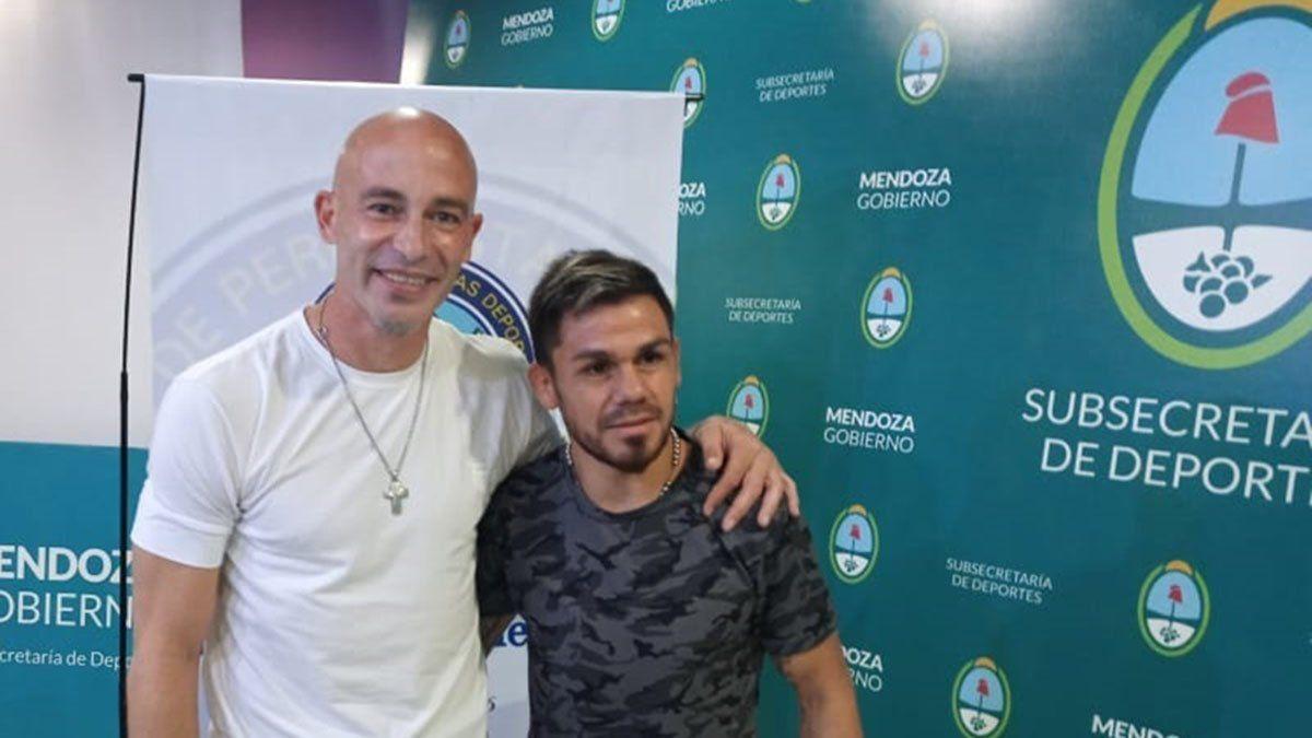 Sebastián Méndez junto con el Cotón Juan Carlos Rebeco.