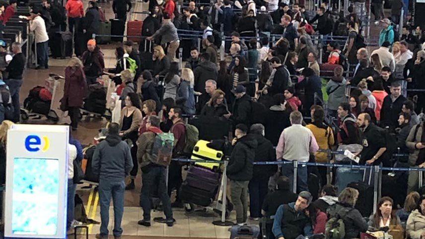 Cambios para los pasajeros que lleguen a Chile en avión a raíz del coronavirus