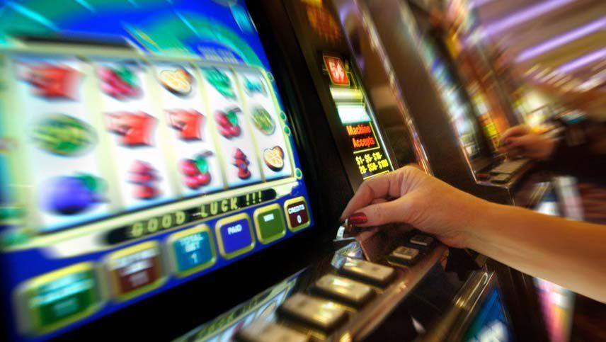 Un mendocino invirtió $5 y ganó $1.000.000 en un tragamonedas