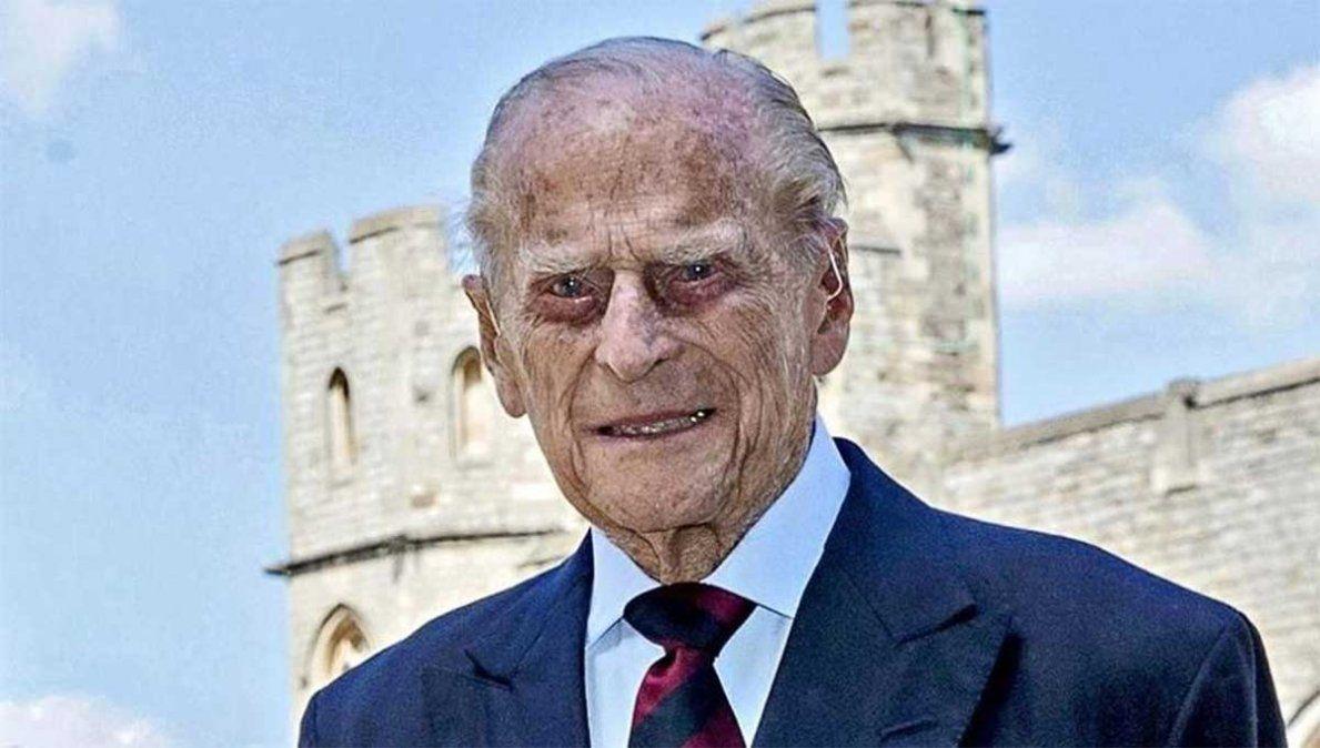 Felipe de Edimburgo tenía 99 años y fue esposo de la reina Isabel II del Reino Unido durante más de 70 años. Falleció este viernes.