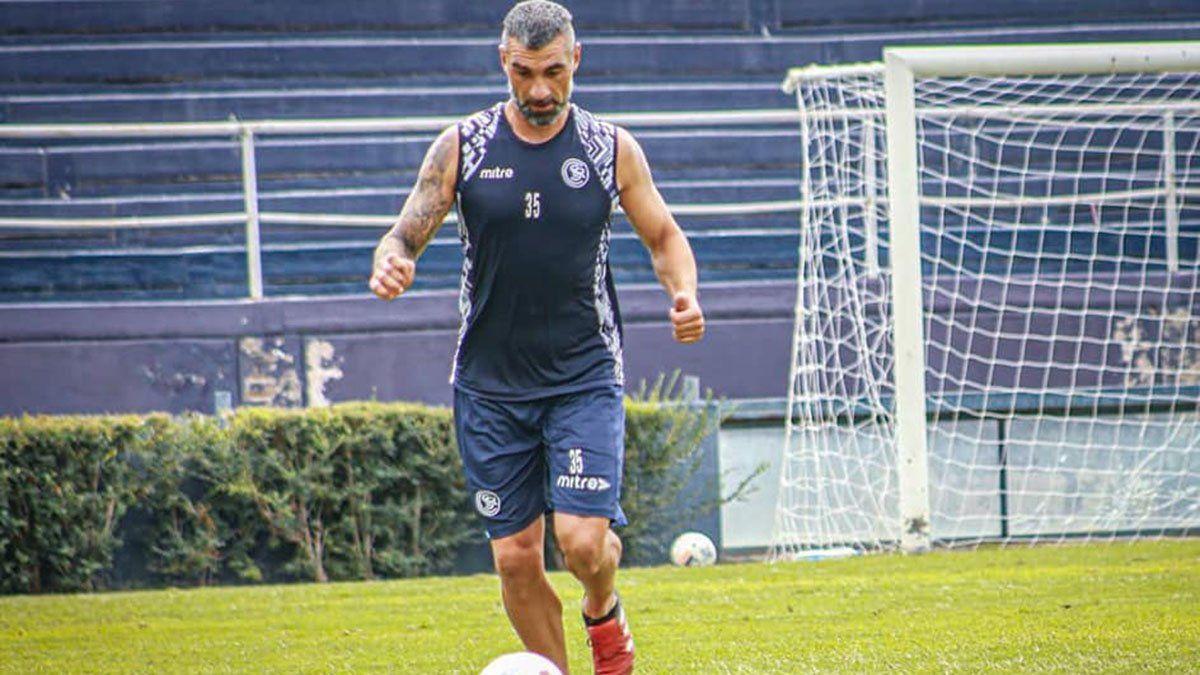 Paolo Impini es uno de los pilares de la defensa de Independiente Rivadavia.