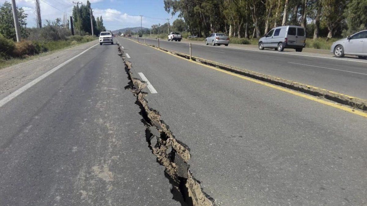 Tras la grieta que abrió el sismo de San Juan en la ruta 40