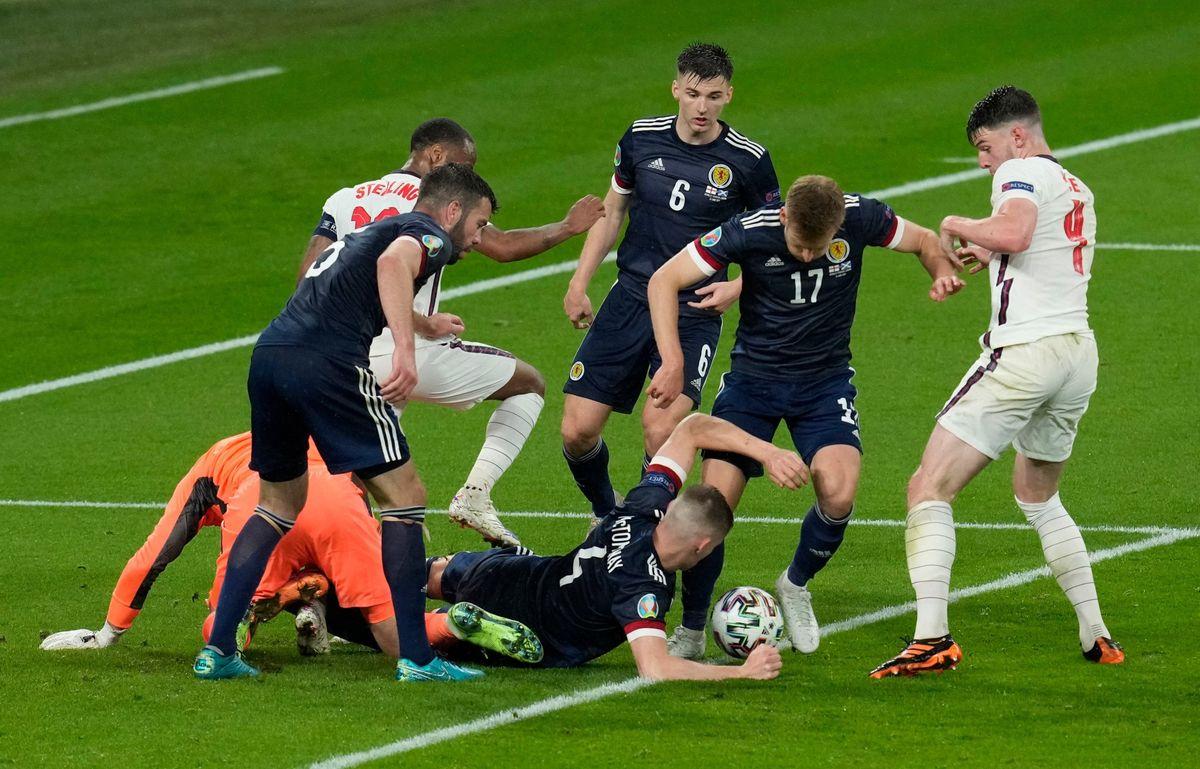Inglaterra y Escocia igualaron 0 a 0 por la Eurocopa.