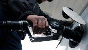 Una vez más, aumentaron los combustibles