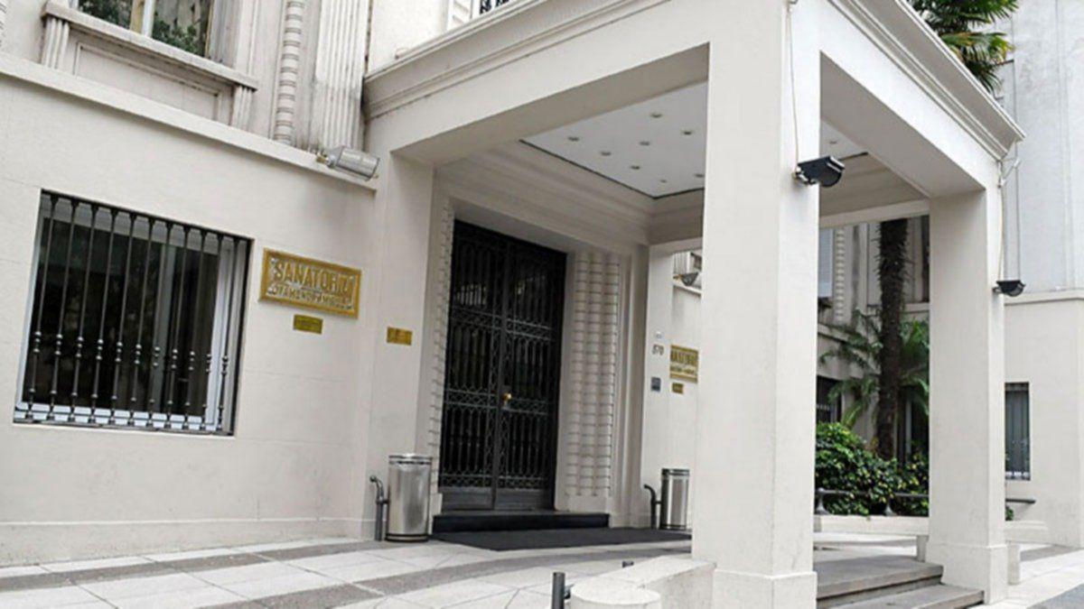 Sanatoria Otamendi enfrenta una demanda por no querer usar el dióxido de cloro.