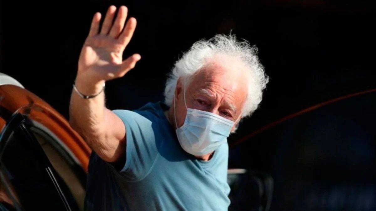 Internaron a Guillermo Coppola por problemas respiratorios