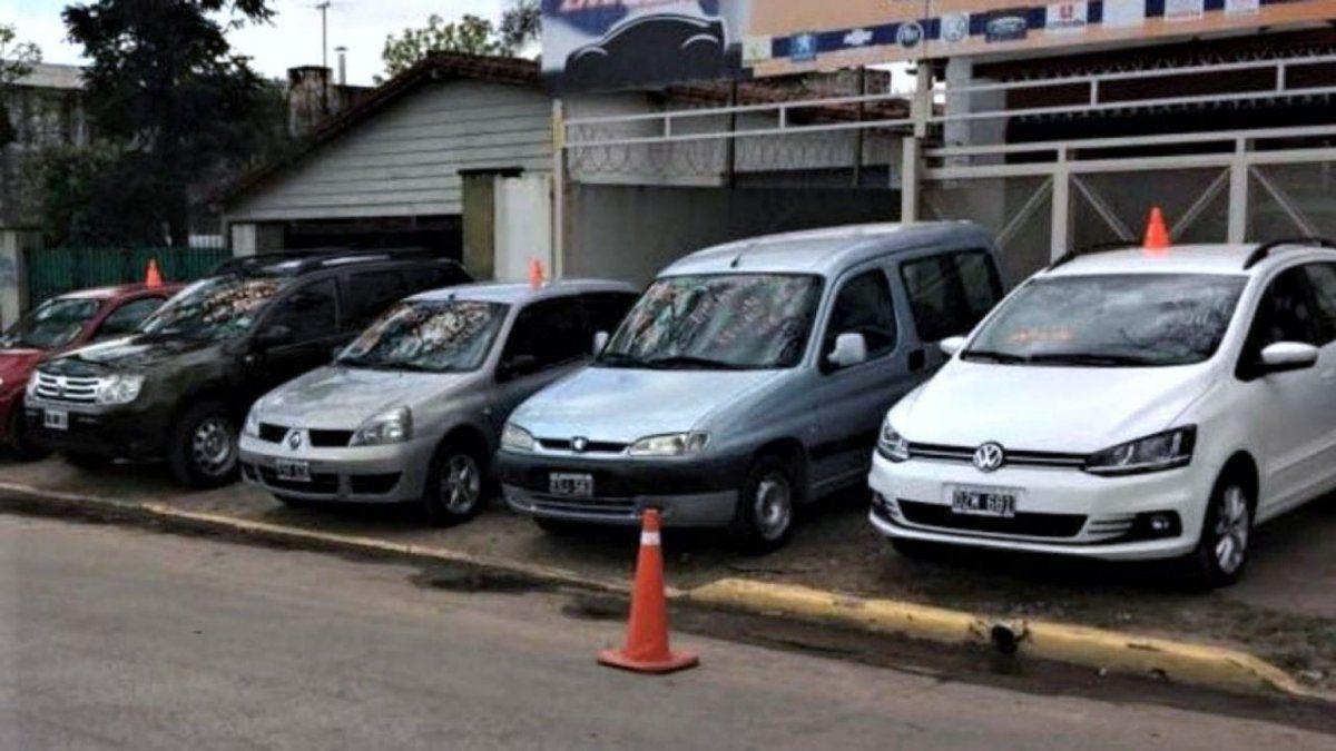 El Gobierno provincial analiza poner un tope en el Impuesto Automotor de unos 40.000 contribuyentes que recibieron aumentos que superaron el 90% de lo que pagaron el año pasado.