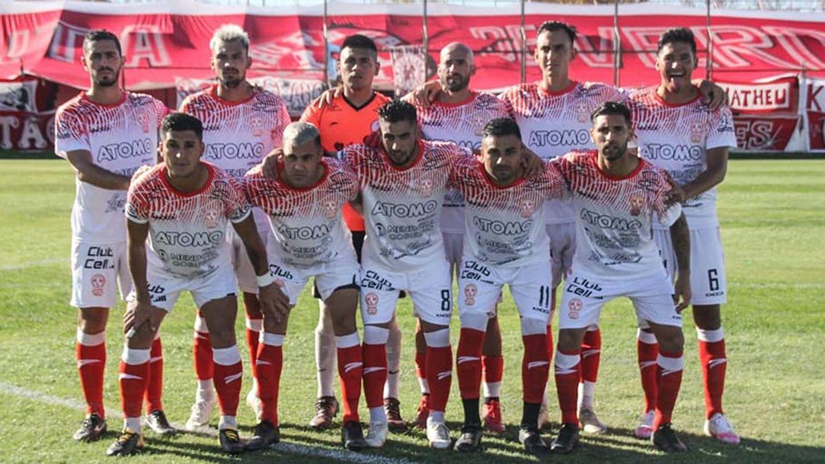 El Globo logró un contundente 3 a 0 ante Ciudad de Bolívar y se acomodó en la tabla.