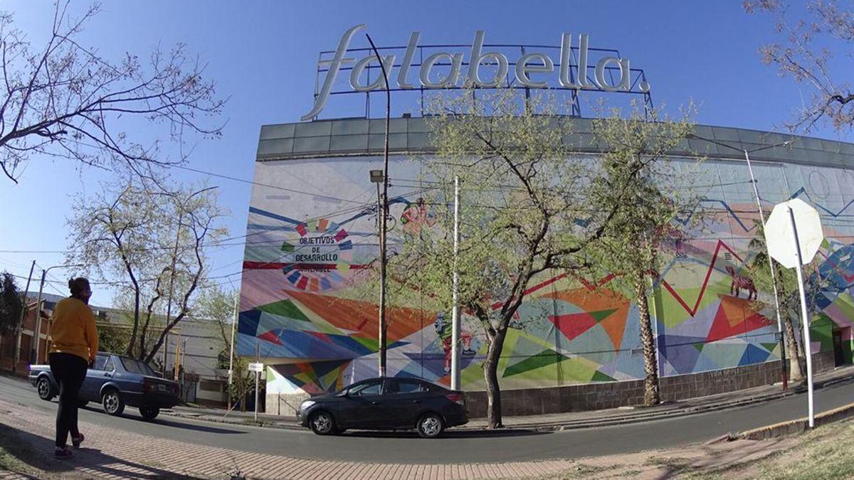 Falabella tiene sus tiendas en el Mendoza Plaza Shopping