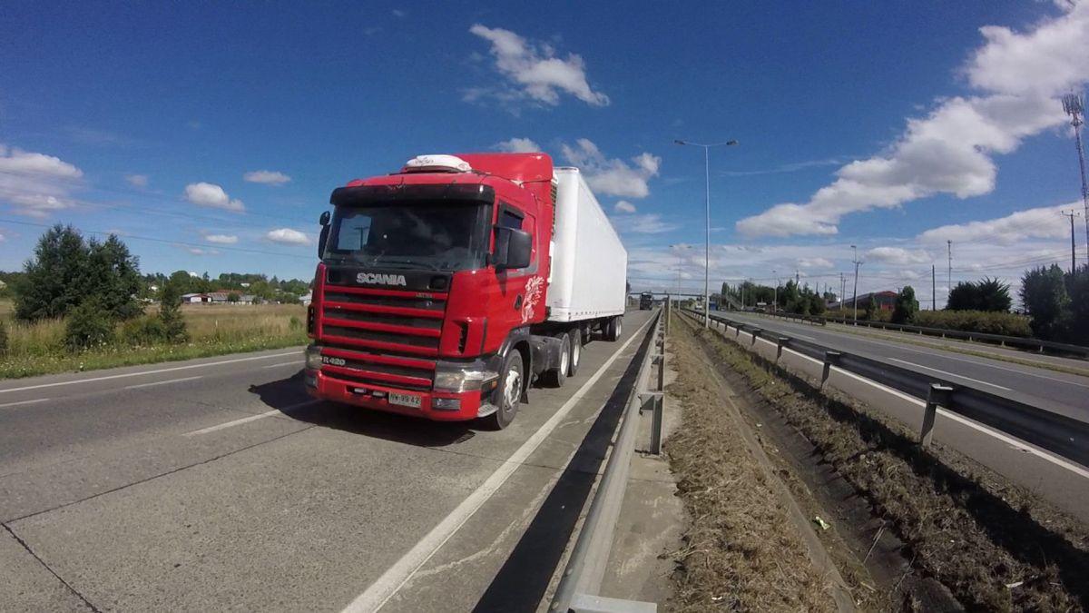 Muchos camioneros mendocinos suelen cruzar a Chile. Ahora recibirán la vacuna contra el Covid-19.