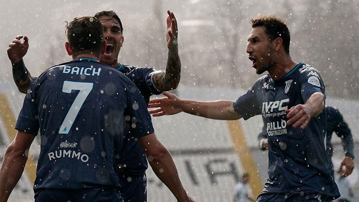El Tanque Adolfo Gaich anota su primer gol en la Serie A