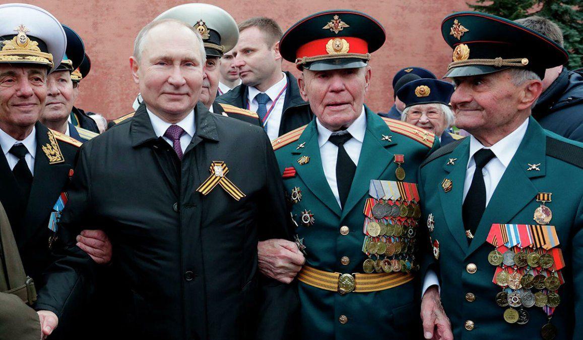 El presidente Vladimir Putin presidió los actos del Día de la Victoria en la Plaza Roja