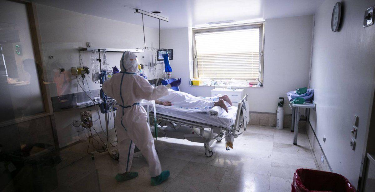 Los hombres mueren más que las mujeres por coronavirus.