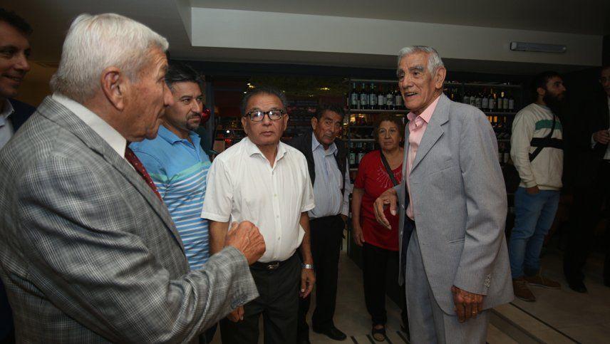 Homenaje a dos leyendas del ciclismo: Ernesto Contreras y Santiago Pizarro
