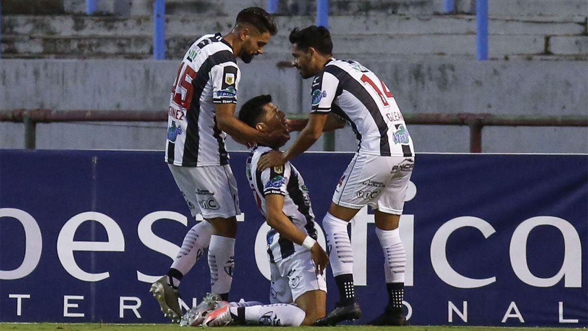 Central Córdoba venció a Aldosivi y se prendió arriba